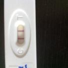 Dikke streep Wat denken jullie? 4 weken zwanger of langer?