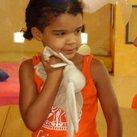 Giada 4 jaar Hier is Giada 4 jaar! Inmiddels is ze 5 en een echte kanjer! Een vrolijke, lieve maar ontdeugende meid die haar leeftijdsgenootjes ver vooruit is.